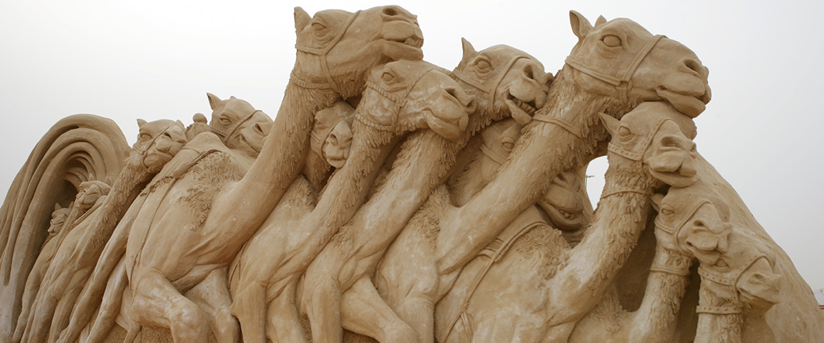 Al Marmoom Camel Races Dubai UAE Sand Sculpture- Sculpting Sand – Jennifer Rossen