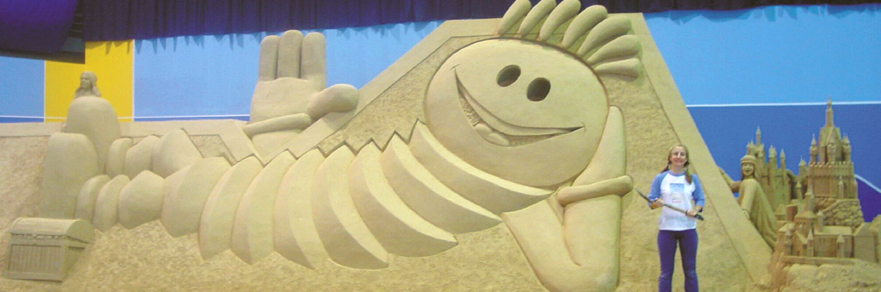 Modhesh Sand Sculpture Festival, Sculpting Sand – Jennifer Rossen